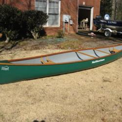 Mad River Voyageur Canoe 18'2